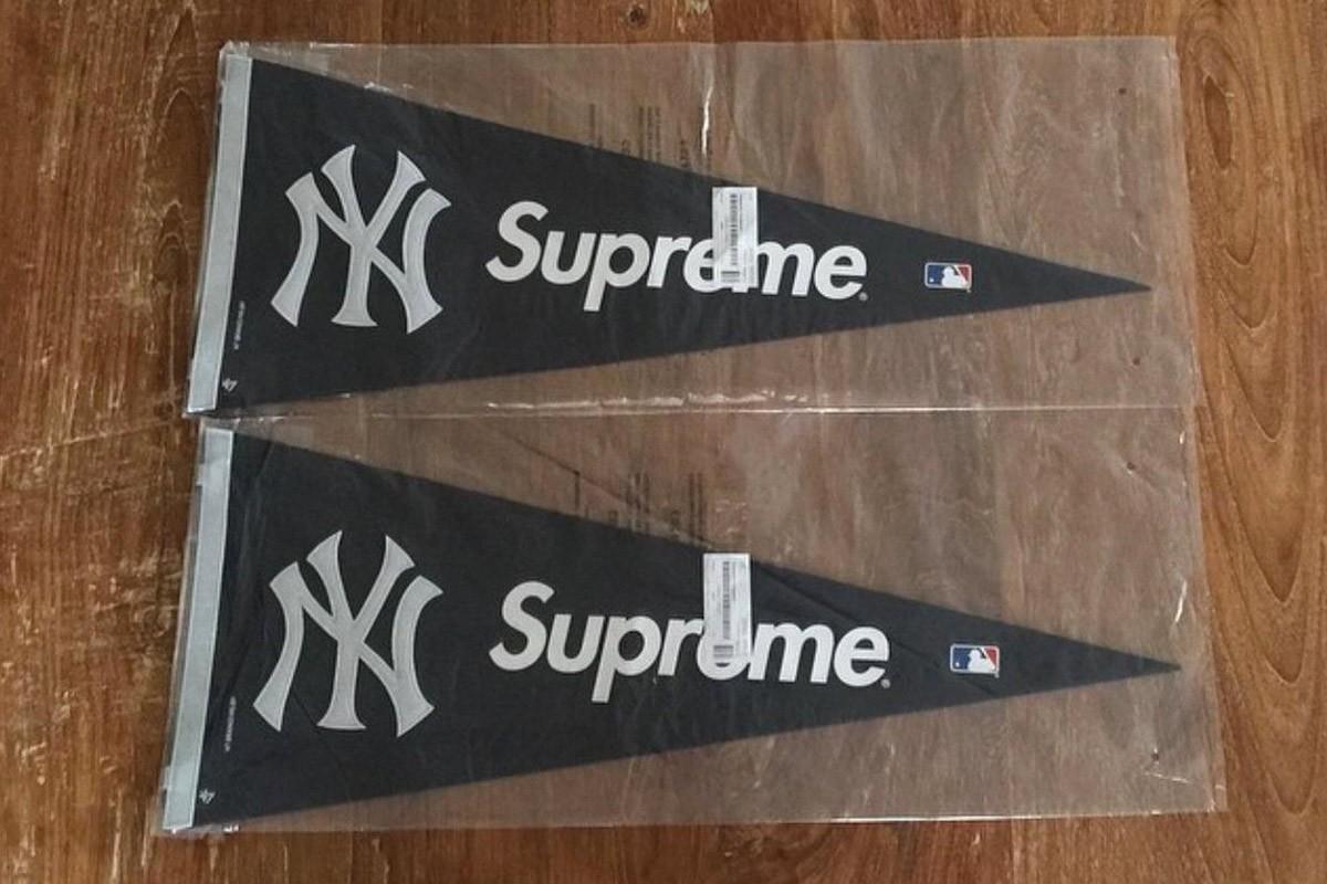 Supreme accessories pennant 1200x800