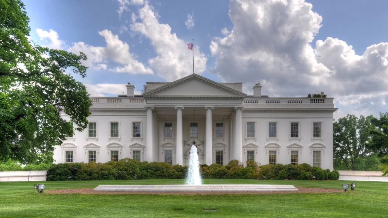 オバマ大統領にホワイトハウスを...