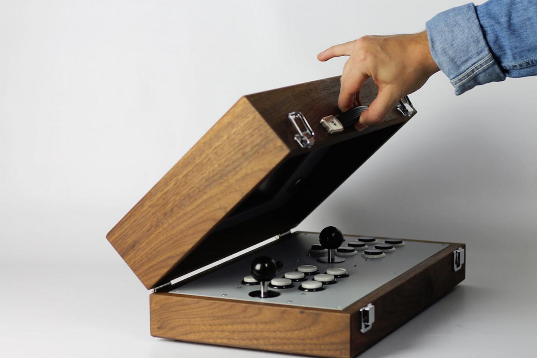 love-hulten-cary42-wooden-arcade-box-01-1440x960
