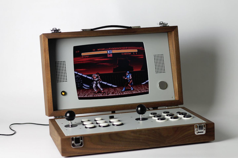 love-hulten-cary42-wooden-arcade-box-02-1440x960