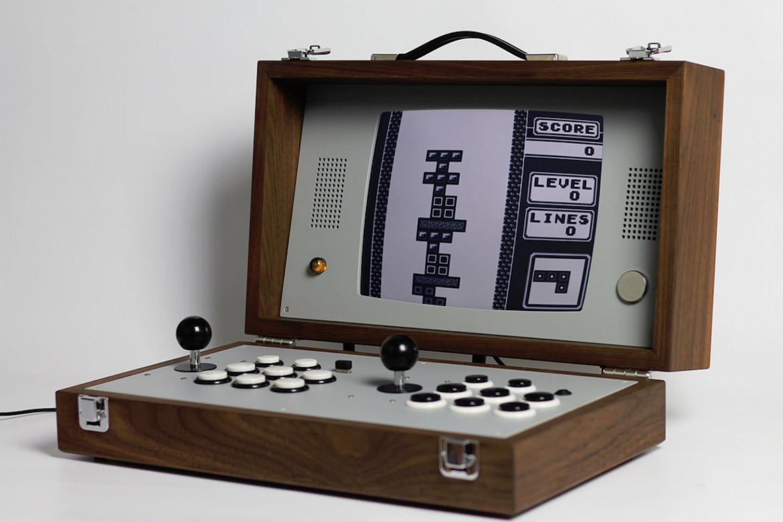 love-hulten-cary42-wooden-arcade-box-06-1440x960